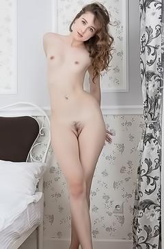 Erotic Teen Dara W Gets Naked