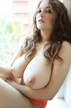Tessa Fowler In Afternoon Glow