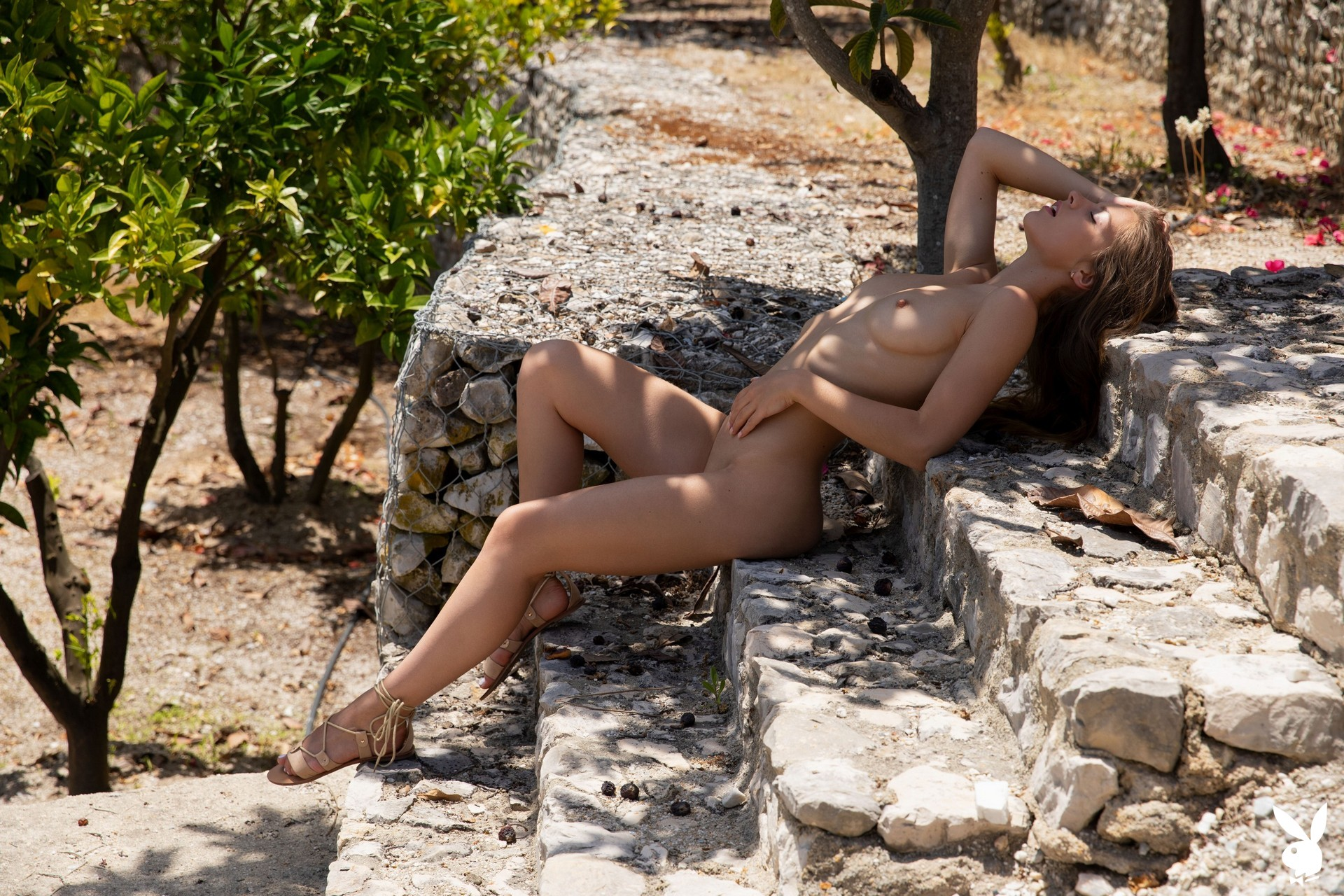 Julia abrams hot tits topless blonde erotic model taking a picnic wallpapers