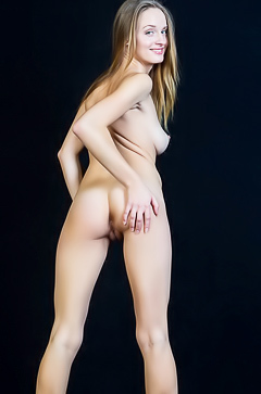 Vittoria Amada Debesis in nude photoshoot
